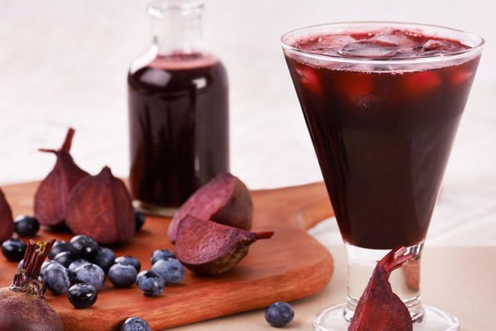 Rødbede & blåbær smoothie