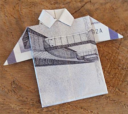 Sjov pengeskjorte af en halvtredskroneseddel (halvtredser)